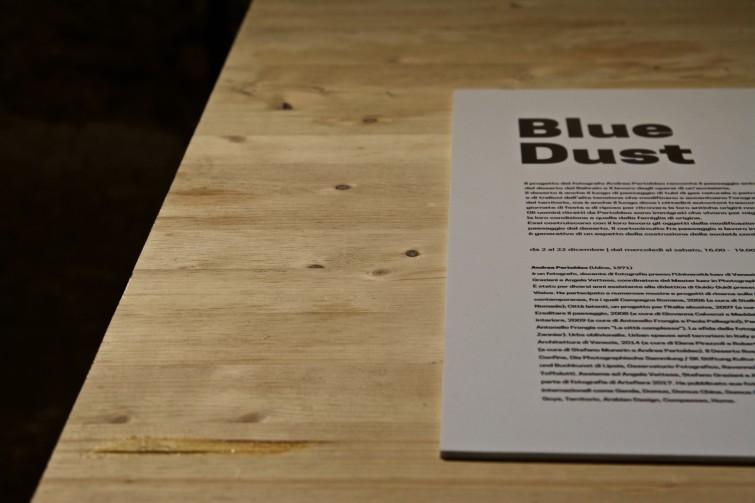 da72a300 - église blue dust di Andrea Pertoldeo